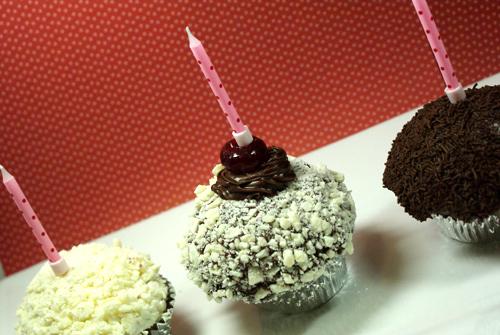 terriannes-cupcakes-yummy-2.jpg